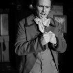 Comédien en colère, travail fait sur un stage de théâtre à Paris