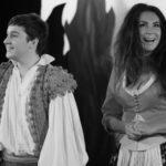 Scènes en costumes du cours de théâtre à Paris